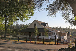 Bell_Farm_House_Aug_2016_(5)~0.JPG