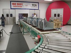 Ceronix_monitors_conveyer_line_.jpg