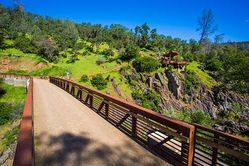 Hidden_Falls-CanyonView_Bridge-2.jpg