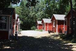 Mtn_Retreat_Red_Cabins_(1).JPG