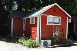 Mtn_Retreat_Red_Cabins_(54).JPG