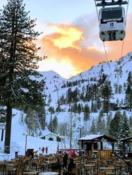 Squaw_Valley_Gondolta_and_Cable_Car_(12).jpg
