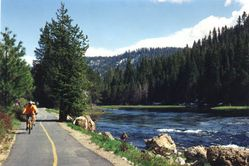 bike_path,Truckee_River-1410-21-02a.jpg