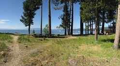 Picnic_area_Lake_2.jpg